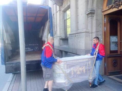 Перевозка мебели в Санкт-Петербурге