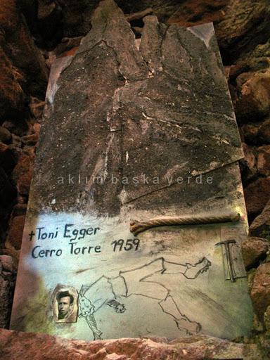 Messner'ın Dağcılık müzesinde (yasak olsa da görgüsüz gibi) çekmiştim: Cerro Torre'de Toni Egger'ın ölümünü anlatan bir çalışma