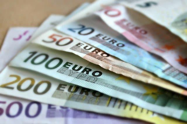 Potrebujete si zarobiť peniaze? Musíte zaujať na pohovore