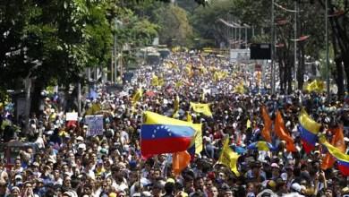 صورة الرئيس الفنزويلي يهدد زعماء المعارضة بالسجن