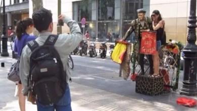 "Photo of 10 آلاف سائح بريطاني "" يتسممون "" لاسترداد تكاليف إقامتهم بالفنادق الإسبانية !"