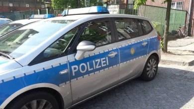 Photo of ألمانيا : الشرطة تعتقل لاجئاً سورياً هدد موظفة أمن في مركز لاستقبال اللاجئين و هو تحت تأثير المخدرات