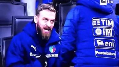 صورة بالفيديو .. دي روسي يرفض المشاركة في الدقائق الأخيرة ضد منتخب السويد