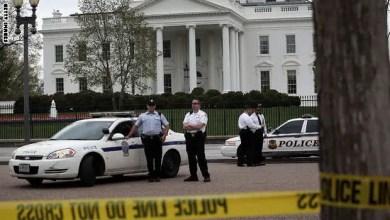 """Photo of اعتقال رجل بعد تهديده بقتل """" كل أفراد الشرطة البيض """" عند البيت الأبيض"""