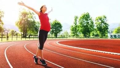 Photo of هل الجري أثناء الحمل آمن على صحة الأم و الجنين ؟