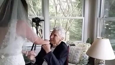 Photo of أمريكي يحضر زفاف ابنته بعد 3 سنوات من وفاته ! ( فيديو )