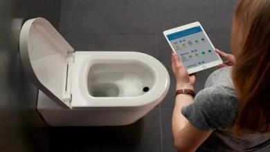 Photo of لماذا يجب ألا تأخذ هاتفك الذكي معك إلى الحمام ؟