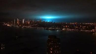 Photo of انفجار محول كهرباء في نيويورك يضيء سماء المدينة ( فيديو )