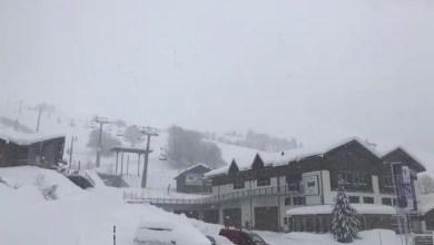 صورة قرية سويسرية تصبح بمعزل عن العالم بسبب انهيار ثلجي