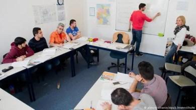 Photo of ألمانيا : نصف المهاجرين يخفقون في دورات الاندماج .. و هذا عدد السوريين المشاركين في الدورات