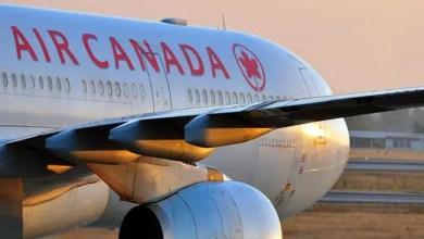 صورة إجبار فتاة على خلع حجابها قبل صعودها للطائرة في كندا