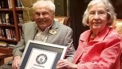 Photo of رجل و زوجته يبلغ عمراهما مجتمعين 211 عاماً يلقبان بأكبر زوجين في العالم