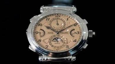 """صورة بسعر فلكي .. """" مجهول """" يشتري أغلى ساعة يد في التاريخ"""