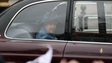 "Photo of فيروس "" كورونا "" يجبر ملكة بريطانيا على مغادرة قصرها"