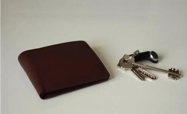 المفاتيح و حافظة النقود و الجوال كيف نعقمهم من كورونا