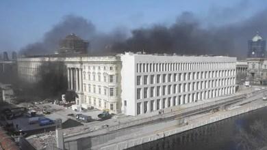 Photo of اندلاع حريق في قصر المدينة وسط برلين ( فيديو )