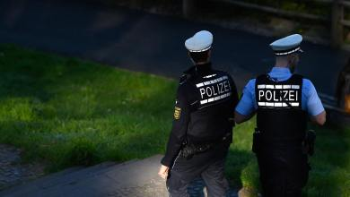 "Photo of "" مثلما حدث في أمريكا ! "" .. ألمانيا : عملية للشرطة للسيطرة على شاب تثير احتجاجات"