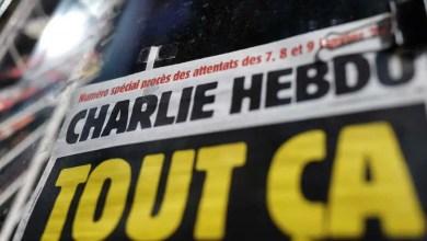 """صورة بعد إعادة نشرها رسوماً عن النبي محمد .. وسائل الإعلام الفرنسية تدعو إلى التعبئة بعد تلقي """" شارلي إيبدو """" تهديدات جديدة"""