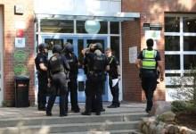 صورة في مدينة ألمانية .. الشرطة تشن حملةً ضخمةً على مدرسة لهذا السبب ( صور )