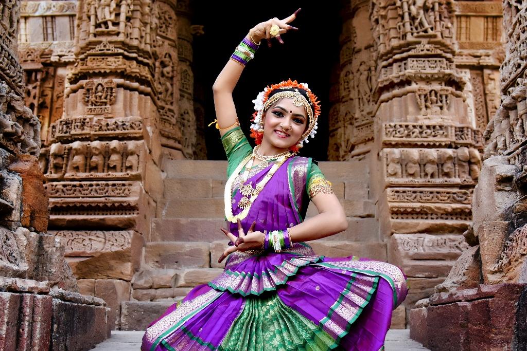 NrityaNinaad Column Aksharnaad Archita Pandya