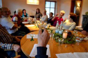 Gespräche über Gott im HoT - biblische Weinprobe @ HoT