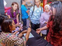"""PT Bank Pembangunan Daerah Jawa Barat dan Banten, Tbk (IDX : BJBR) menggelar acara nonton bareng (Nobar) film """"22 Menit"""" bagi seluruh karyawannya di CGV Paskal 23 Mall, Bandung, Kamis (19/7/18). Acara nobar film """"22 Menit"""" terjalin atas kerjasama antar bank bjb dengan POLRI, yang dalam hal ini adalah POLDA JABAR, kerjasama antara bank bjb dan POLDA JABAR telah terjalin sejak lama dan kali ini melalui momentum film """"22 Menit"""" bank bjb kembali melakukan sinergi dalam bentuk promosi pada gelaran tayangan film """"22 Menit"""" yang mengedukasi masyarakat."""