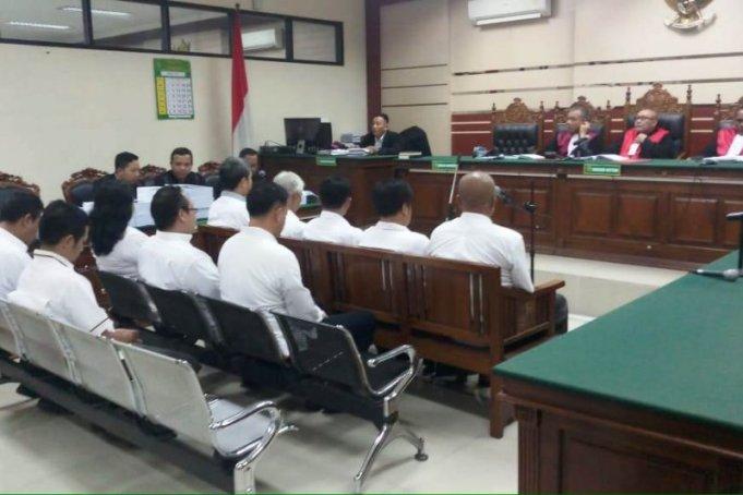 10 Mantan Anggota DPRD Malang jalani persidangan