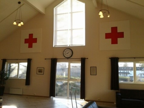 Lydempende plater med dekor hos Kverneland Røde Kors