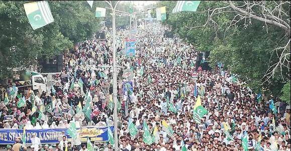 کشمیری پاکستان کی بقا کی جنگ لڑ رہے ہیں: سراج الحق