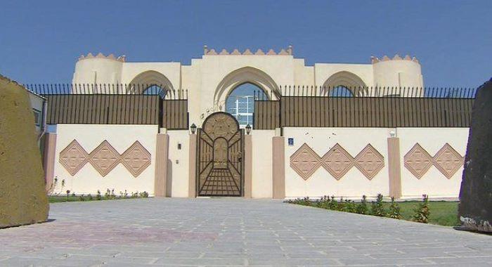 زلمے خلیل زاد اور طالبان رہنماوں میں ملاقات، قیدیوں کی رہائی میں تاخیر پر بات چیت
