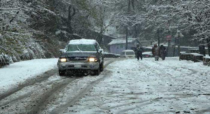ملک میں برفباری اور بارشیں، مختلف حادثات میں 46 افراد جاں بحق، درجنوں زخمی