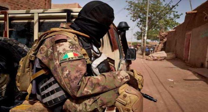 مالی میں فوج نے حکومت کا تختہ الٹ دیا