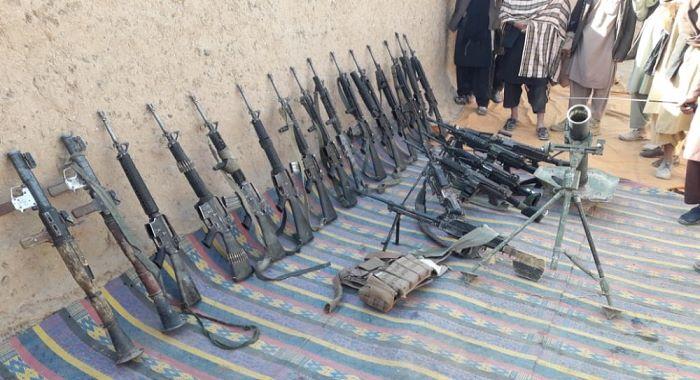 ہلمند اور بدخشاں میں افغان فوجیوں نے طالبان کے سامنے ہتھیار ڈال دئیے