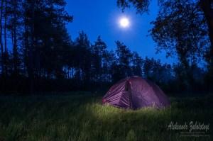 Фотоефект без фотошопу, намет, фотоефект світловий пензель, ночная фотография, палатка, луна, туризм, туристы, луна