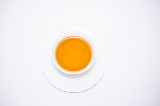 طريقة عمل شاي الهيل والزعفران