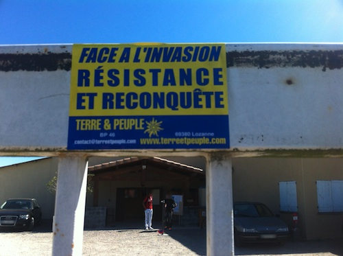 mosquee muret extreme-droite