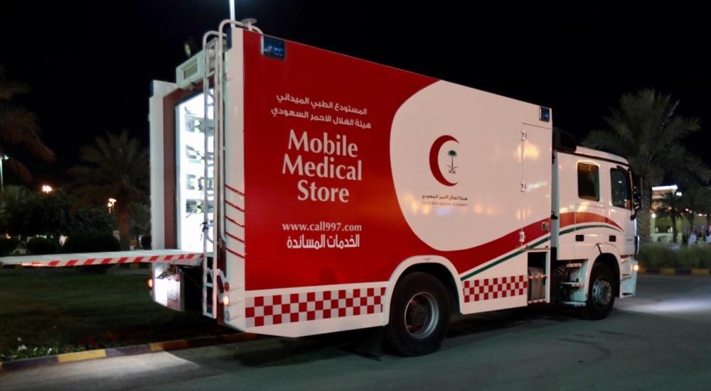الهلال الأحمر يعرض قدرات عربة الكوارث أمام زوار الجنادرية المدينة