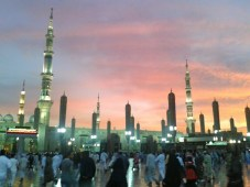 Masjid Al-Nabawi at dusk. Notice that the large umbrellas that provide shade during the day are retracted.