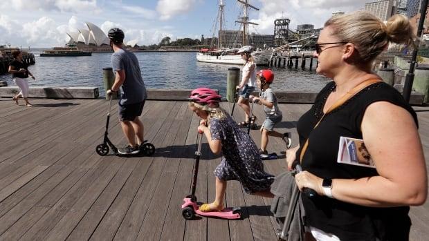 """أستراليا ونيوزيلندا تطلقان """"فقاعة السفر"""" في 19 أبريل في حالة تفشي الوباء"""