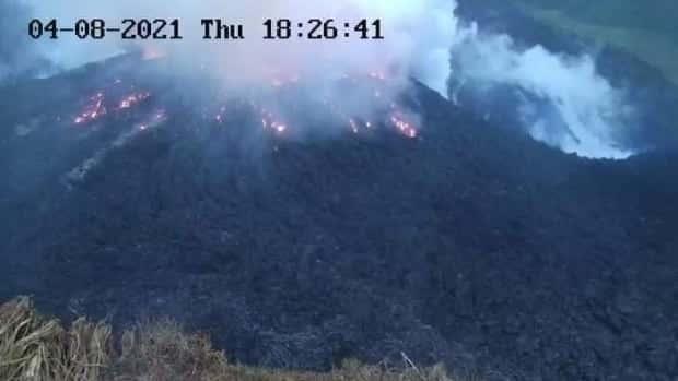 اندلاع بركان لا سوفريير في سانت فنسنت يجبر الآلاف من منازلهم