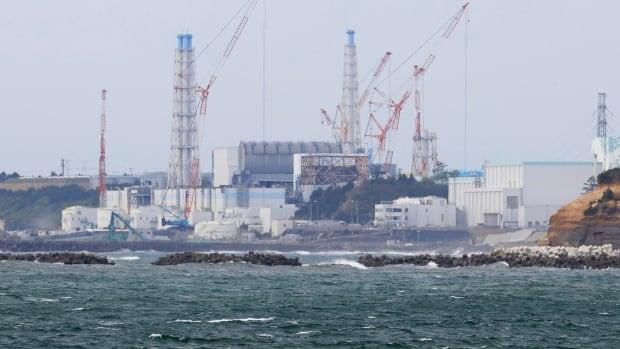 تبدأ اليابان في إطلاق المياه المشعة المعالجة من محطة فوكوشيما النووية في البحر خلال عامين