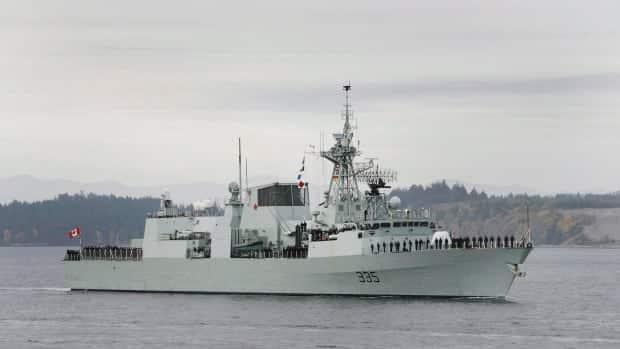سفينة حربية كندية تعبر بحر الصين الجنوبي مع استمرار التوترات الدبلوماسية