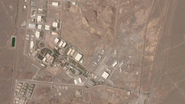 وتحمل إيران إسرائيل مسؤولية التخريب في موقع نطنز فيما تبدأ الولايات المتحدة محادثات لإعادة الدخول في الاتفاق النووي