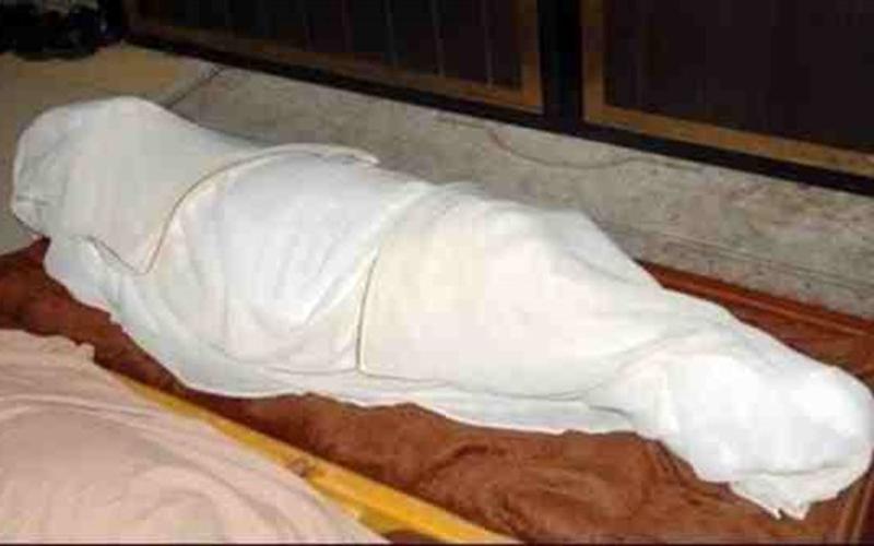 شاب يعود الى الحياة قبل دفنه تفاصيل