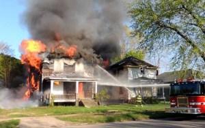 حريق بملجأ تسبب في مقتل 22 فتاة