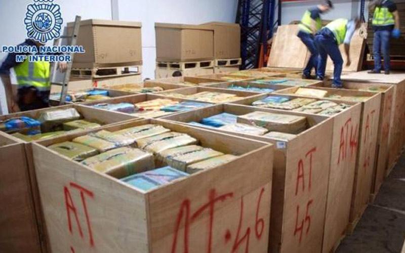 عملية تعقب تقود الأمن الاسباني إلى تفكيك شبكة دولية لتهريب المخدرات بين المغرب وأوربا