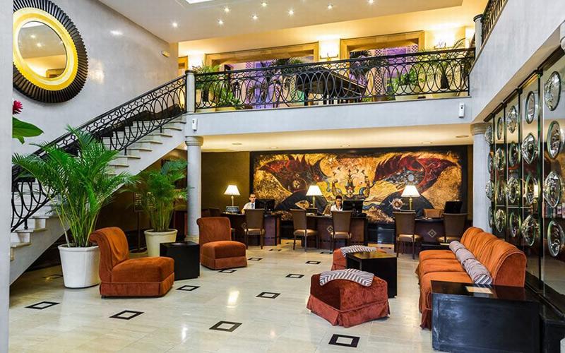 """الملك يختار فندق """"ساراتوغا"""" التاريخي بكوبا لقضاء عطلته الخاصة"""