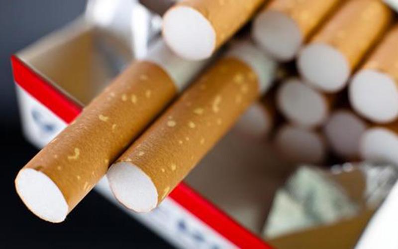 اليوم العالمي للامتناع عن التدخين.. وزارة الصحة تمنع السجائر داخل مرافقها