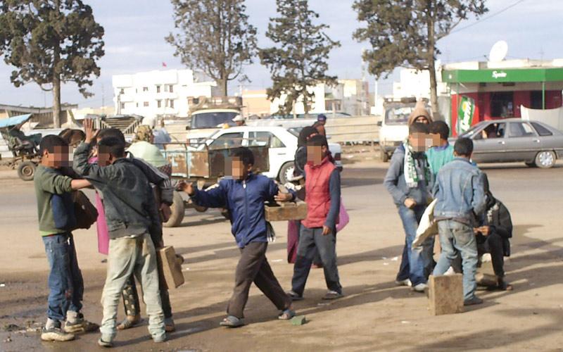 تقرير يكشف معطيات صادمة عن فقر الأطفال المغاربة