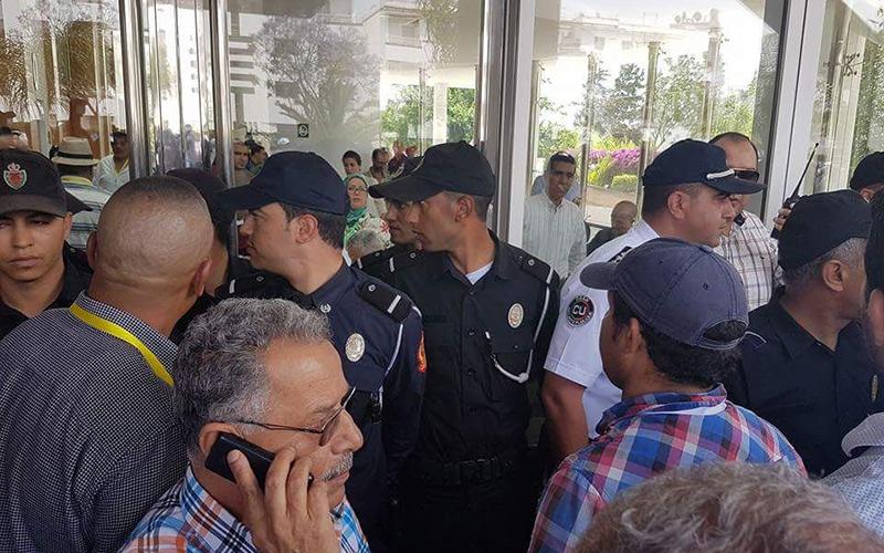 بالصور..الأمن يقتحم أشغال مؤتمر نقابة حزب الإستقلال